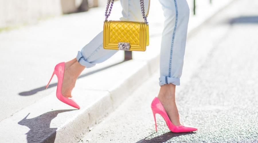 چگونه با کفش پاشنه بلند راحت راه برویم؟