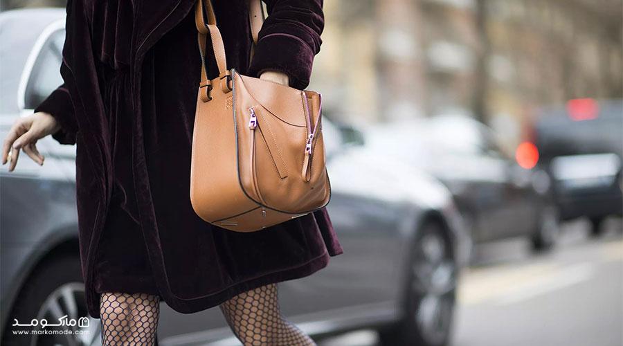 کیف به رنگ قهوهای روشن