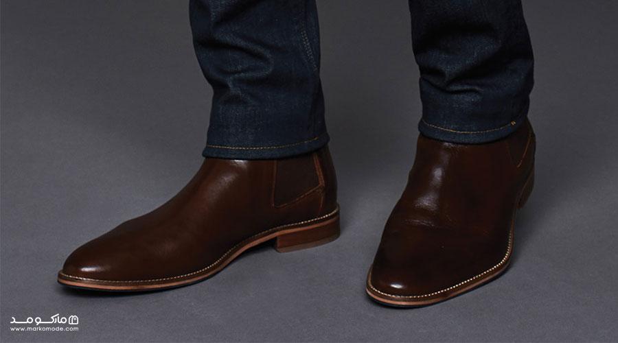 ست کردن رنگ کفش قهوهای با شلوار