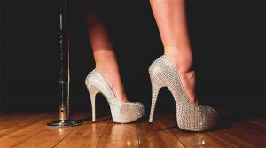 خطرات پوشیدن کفش پاشنه بلند