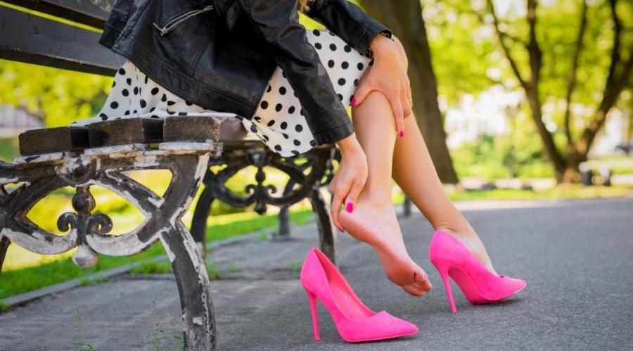 آیا کفش پاشنه بلند برای دیسک کمر ضرر دارد؟