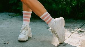 گشاد کردن کفش تنگ با چند راهکار هوشمندانه